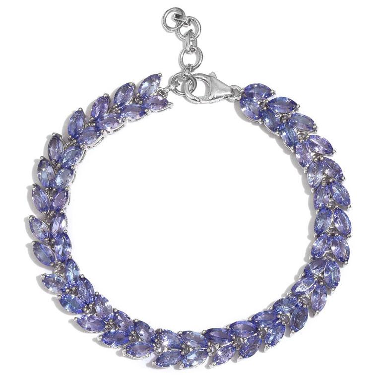 Tanzanite bracelet as blue bridal jewelry.
