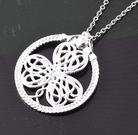 Clover necklace in sterling silver.