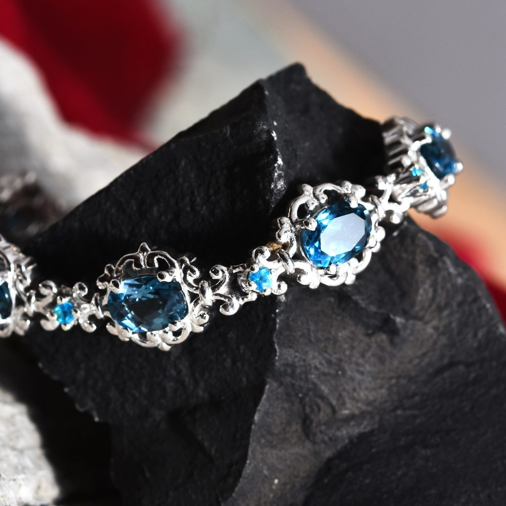 London Blue Topaz, Malgache Neon Apatite Bracelet in Platinum Over Sterling Silver
