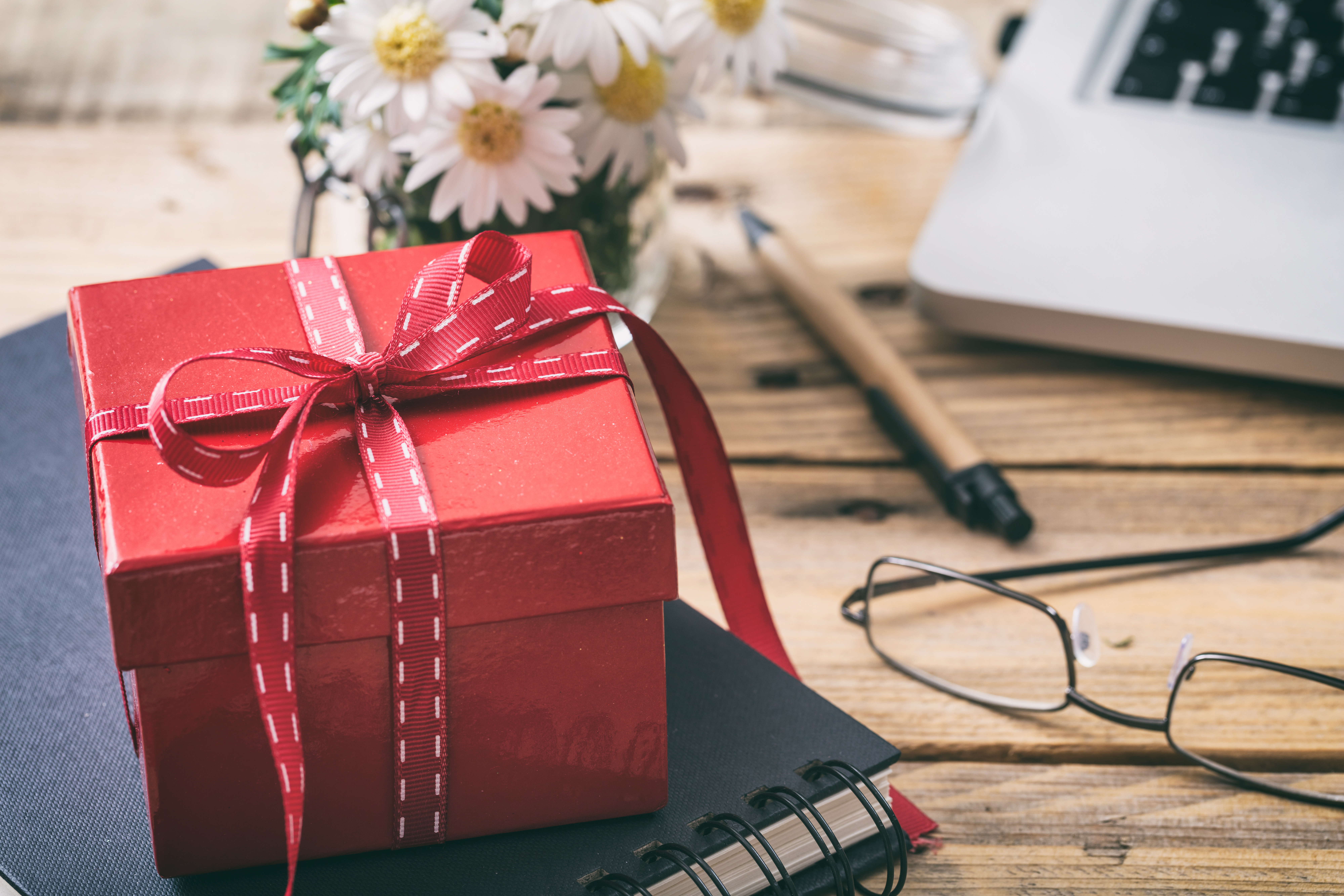 Featured Image: How to Give Office Gifts Like a Boss