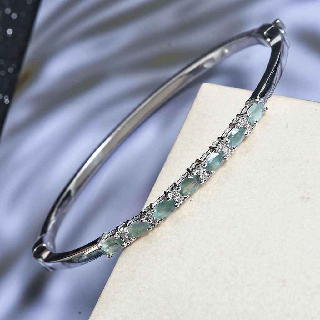 Alexandrite bangle in sterling silver.