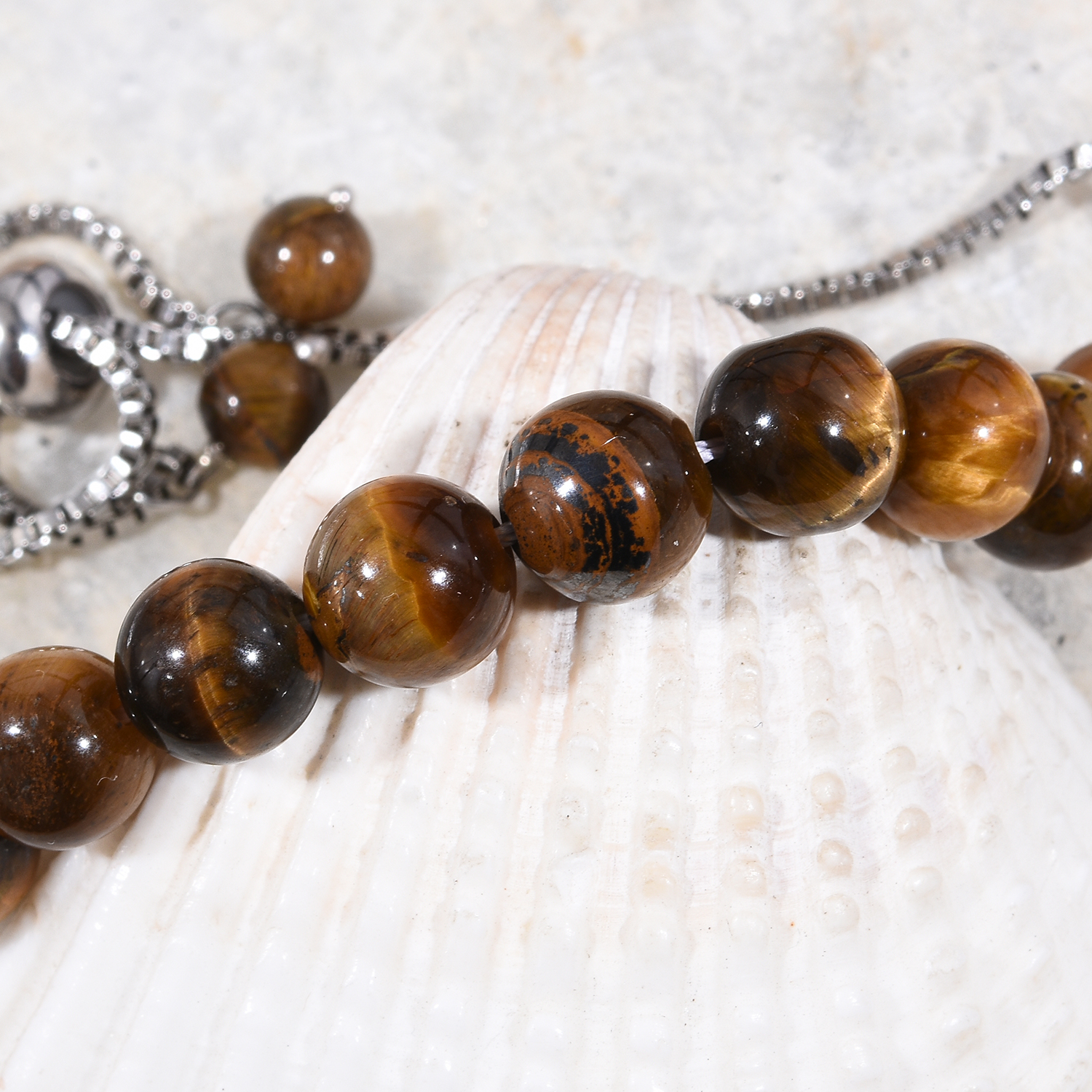 Tiger's eye beaded jewelry.